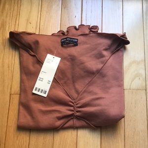 URBAN OUTFITTERS TEE SIZE LARGE